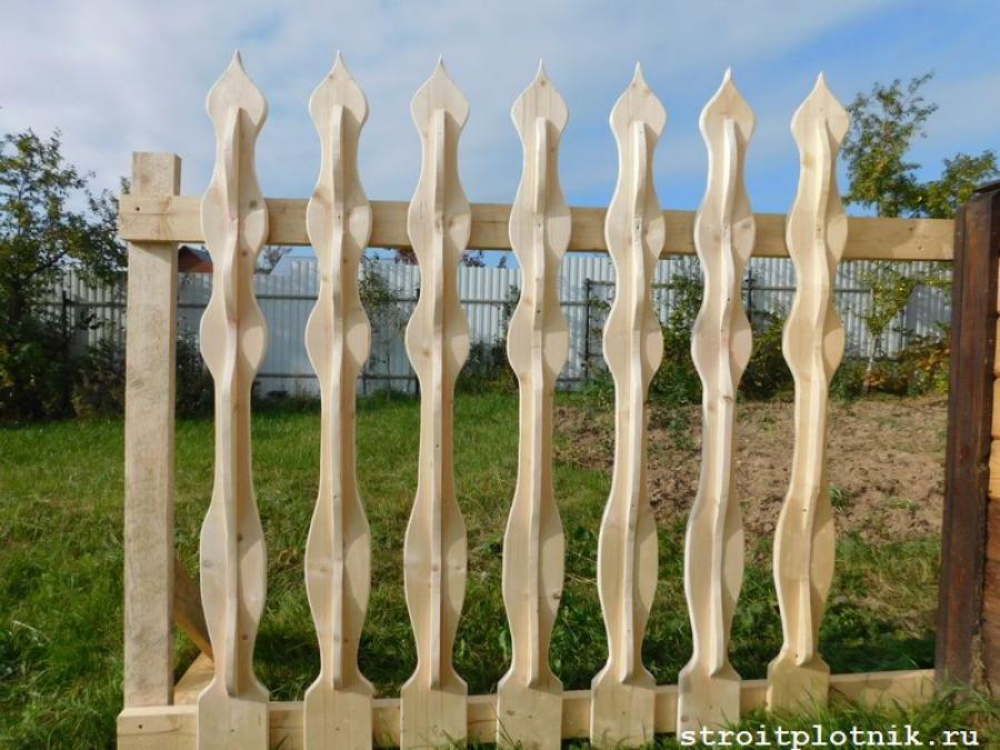 Резной забор в картинках